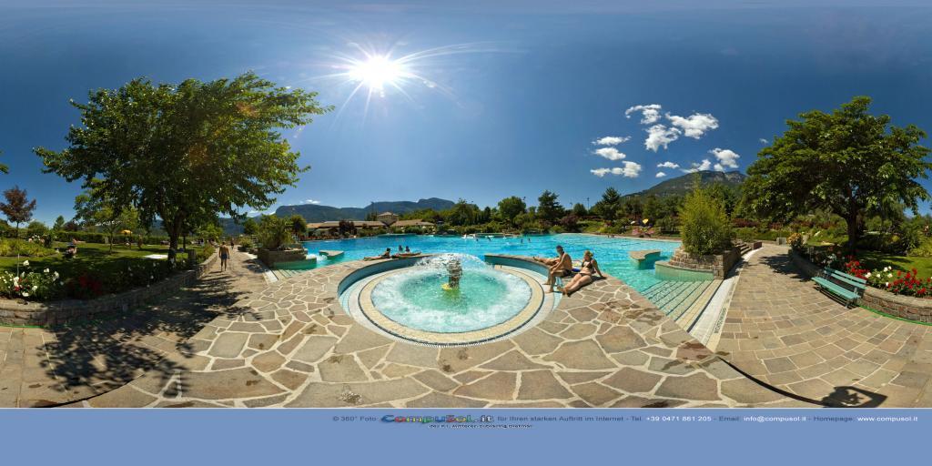 Swimming pool Termeno