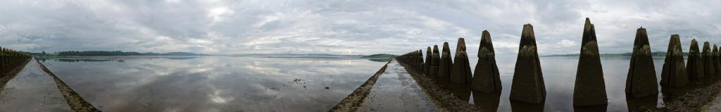 The sea path to Cramond Island Iceland