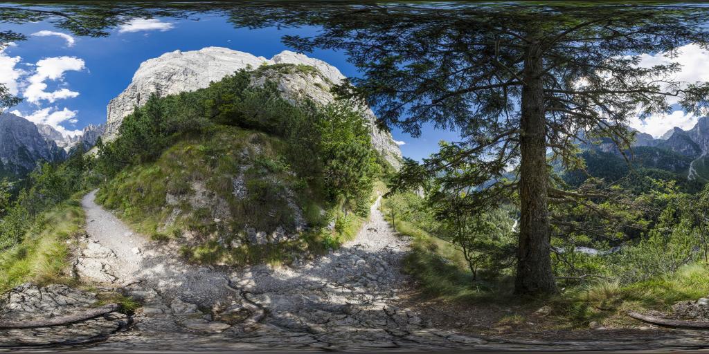 Panoramic trail in valley Valle delle Segehe - Brenta