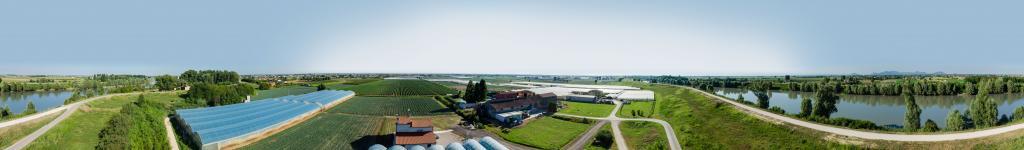 Vista aerea a 360° - fiume Adige e campi di asparagi