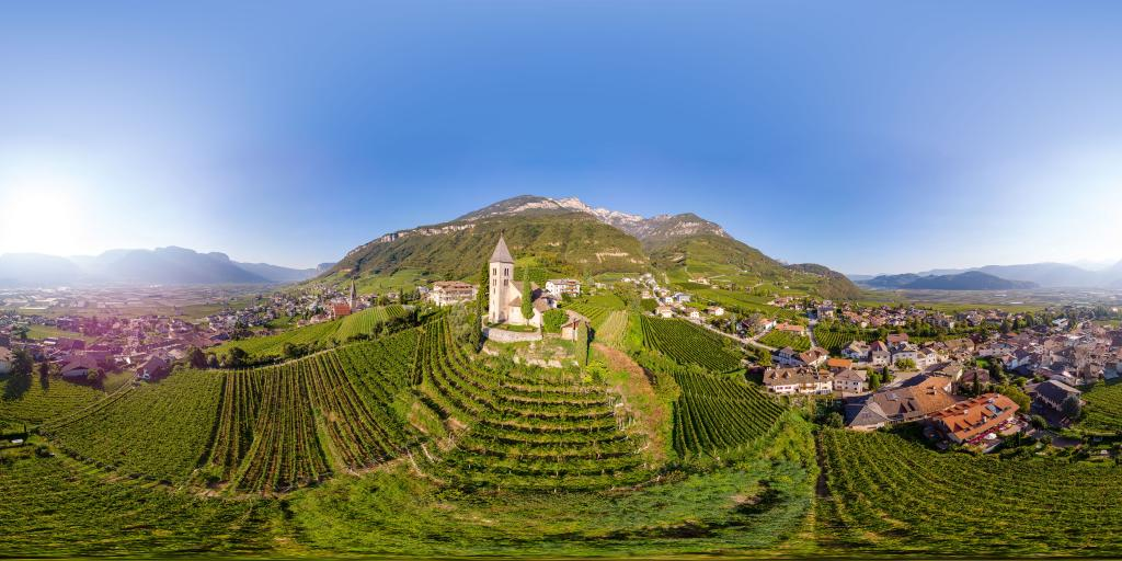 Tramin - 360 degrees from the air