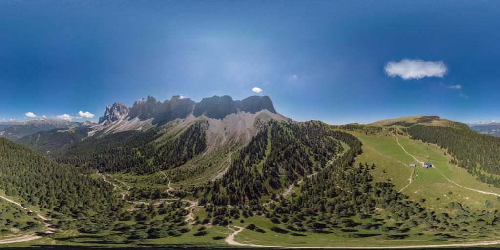 Mountain pasture Brogles Alm - Odle peaks
