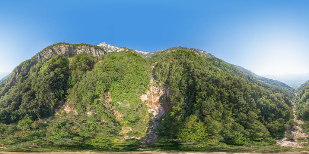Höllentalbach vicino alla cascata del Höllentalbach